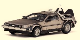RITORNO AL FUTURO PARTE II 1/18 DE LOREAN BACK TO THE FUT