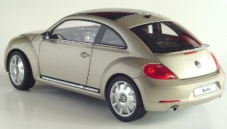 VW NEW BEETLE COUPè       1/18