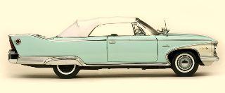 PLYMOUTH FURY CONVERTIBLE 1/18 CHIUSA AZZURRA E BIANCA 1960