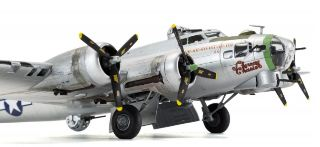 BOEING B17G               1/72 FLYING FORTRESS