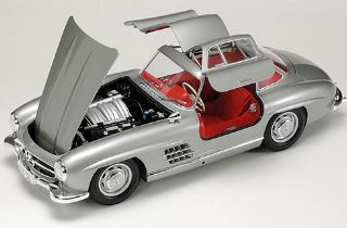 MERCEDES BENZ 300SL       1/24